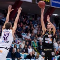 NORKOPPING DOLPHINS – BORAS BASKET 94:87, VITALI 29 PTS!!